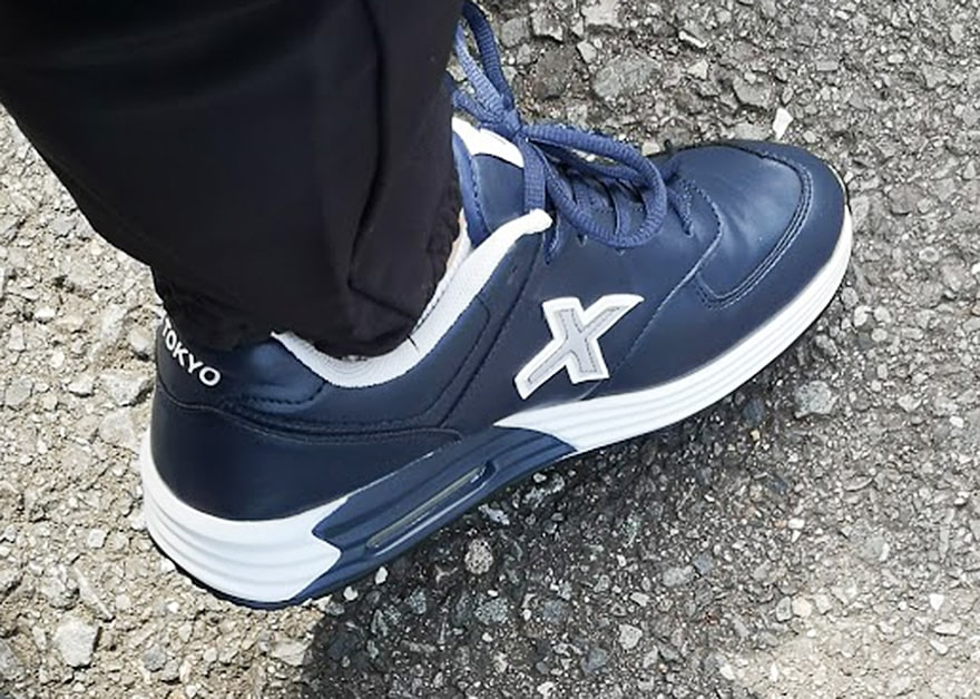 X-TOKYOを履いた写真